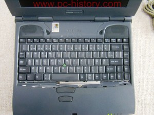 Toshiba_Satellite-2520CDT_4