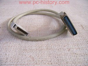 Transtec_Box-SCSI 3.5_CHCO-039-E_full size_cable