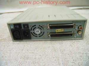 SCSI_Externbox_TEAC CD-516S_2