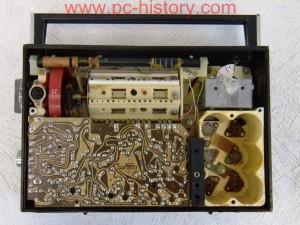 VEF-202 - это пожалуй один из самых популярных в конце 70-х -:- 80-х годах прошлого века транзисторных...